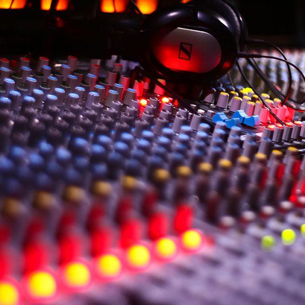 Professional-Ses-&-Görüntü-Sistemleri